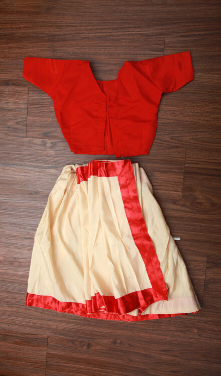 OFF WHITE SAREE WITH RED BORDER