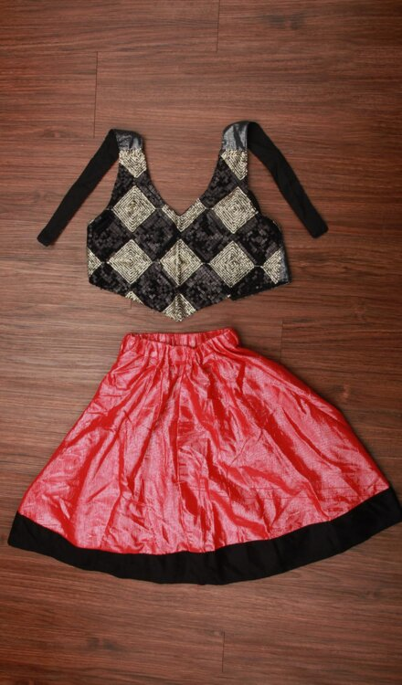 SHINY RED SKIRT AND CORSET