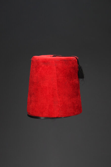 RED ARABIC HAT