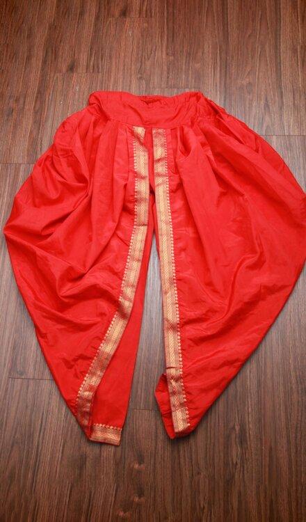 RED DHOTI